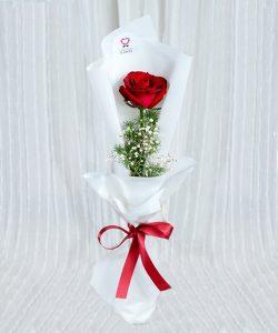 ช่อดอกไม้นี้สื่อแทนหัวใจที่เปี่ยมไปด้วยรักให้กับคนพิเศษในโอกาสพิเศษสุด